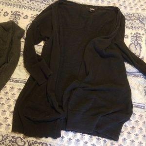 Light 3/4 sleeved cardigan